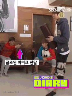 VIXX  - Leo (Jung Taek Woon) and Ken  Sing Sing Sing!!
