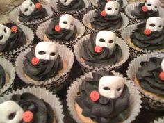 Phantom of the opera masquerade cupcakes