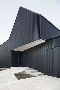 Architecture Résidentielle, Minimalist Architecture, Architecture Posters, Wooden Facade, Timber Cladding, Facade Design, Single Family, Design Minimalista, Futuristic Architecture