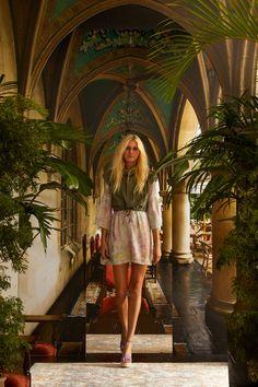 Nicole Miller Spring 2021 Ready-to-Wear Collection - Vogue Vogue Fashion, Runway Fashion, Fashion News, Fashion Beauty, Fashion Show, Fashion Trends, Nicole Miller, Vogue Paris, Models
