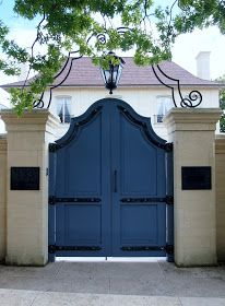 CURB APPEAL – another great example of beautiful design. Backyard Gates, Garden Gates And Fencing, Garden Doors, Driveway Gate, Fence Gate, Front Gates, Entrance Gates, Wooden Gates, House Doors