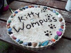 Losing a pet can be just as heart breaking as losing any other member of your family. When Kitty Wompuss died our family was devastated, even our dog Koko was visibly grieving.  We looked online and at local garden stores for a memorial stone, but...