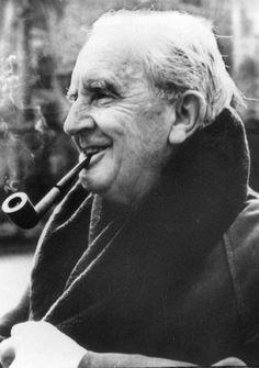 El domingo 3 de enero celebramos y leemos a John Ronald Reuel Tolkien, #JRRTolkien (Bloemfontein, 3 de enero de 1892 – Bournemouth, 2 de septiembre de 1973) Jrr Tolkien, Lewis Carroll, Fellowship Of The Ring, Lord Of The Rings, Bournemouth, Jane Austen, Heavy Metal, Theodore Roethke, Robert Jordan