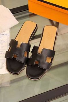 bd9c46b480202 hermes togo leather black flat heel slipper