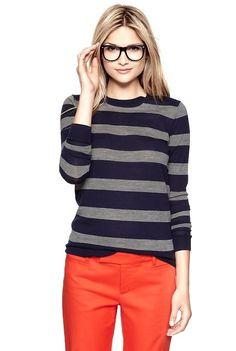 A blusa listrada é versátil, permitindo ser usadas tanto por um público mais jovem ou mais velho, sendo que as combinações feitas variam de acordo com cada ocasião.