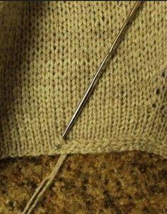 Crochet Patterns This is a great way to stabilize an edge that is not ripped. - Knitting Bordado Modèles de crochet C'est un excellent moyen de stabiliser un bord qui n'est pas déchiré. Sweater Knitting Patterns, Knitting Stitches, Crochet Patterns, Knitting Sweaters, Crochet Edgings, Stitch Patterns, Knitting Looms, Blanket Patterns, Cardigan Pattern