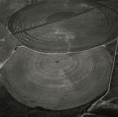 Pivot Agriculture on the Snake River Plain near the Confluence of the Snake and Columbia Rivers, Washington, 1991 | Emmet Gowin