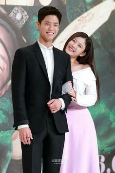 Park Bo Gum & Kim Yoo Jung at Moonlight Drawn by the Clouds press con ~ they look so adorable together Korean Celebrities, Korean Actors, Asian Actors, Love In The Moonlight Kdrama, Kim Yoo Jung Park Bo Gum, Drama 2016, Moonlight Drawn By Clouds, Fantasy Romance, Korean Star