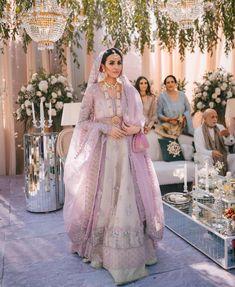 Pakistani Fashion Party Wear, Pakistani Wedding Outfits, Indian Bridal Fashion, Pakistani Bridal Dresses, Desi Wedding Dresses, Asian Bridal Dresses, Bridal Outfits, Indian Dresses, Indian Suits