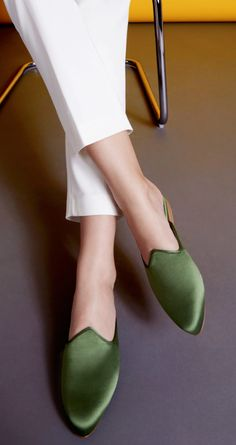 Le Monde Beryl is a brand-new shoe brand debuting on Moda Operandi—here's what to buy. Women's Slip On Shoes, New Shoes, Platform Shoes, Women's Shoes, Pink Mules, Womens Boots On Sale, Leather Slippers, Sneakers For Sale, Shoe Brands