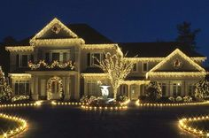 What a beautiful holiday lighting display!