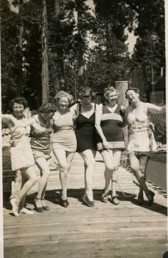 Two of my aunts, one on each end, taken probably in the 1940's.  My Aunt Leah, on the left, was my favorite aunt - Aunt Nelle on the right lived in California so I never got to know her well.  However, I think she would have been lots of fun!  In the picture she has on hose and garters!  Fun stuff!