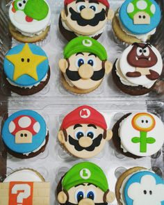 Cupcakes Mario Bross Super Mario Cupcakes, Super Mario Party, Super Mario Birthday, Mario Birthday Party, Cool Birthday Cakes, Super Mario Bros, 4th Birthday, Mario Bros Kuchen, Mario Bros Cake