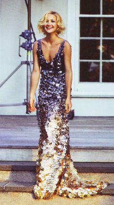Платье с крупными паетками