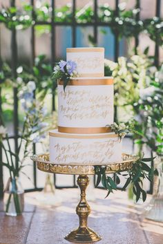 Photography: As Ever Photography | Florals & Styling: Rachael Ellen Events | Cake: Flour and Flourish