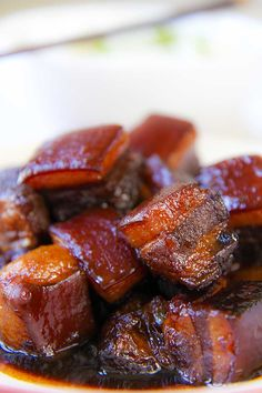 This is a great pork belly stew Shanghai style! The pork belly is cut into dices, roasted, then braised with Chinese cooking wine, and finally caramelized. Chinese Cooking Wine, Asian Cooking, Pork Belly Recipes, Chinese Pork Belly Recipe, Asian Pork Belly, Braised Pork Belly, Comida Keto, Pork Stew, Pork Dishes