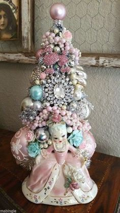 Ms Bingles Vintage Christmas: Marie Antoinette Bottle Brush Tree ...