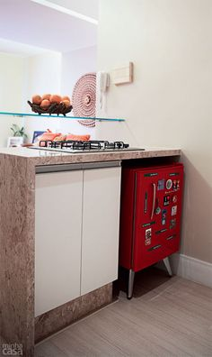 very small kitchen ideas Small Home Offices, Small Apartments, Small Spaces, Small Living, Home And Living, Kitchen Decor Themes, Home Decor, Kitchen Ideas, Multipurpose Furniture