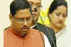 Junior Minister for Education Faces Charges of Forging His Marksheet http://www.wishesh.com/top-stories/40742-junior-minister-for-education-faces-charges-of-forging-his-marksheet.html  A controversy converging on the newly - inducted minister of state for HRD, Ram Shankar Katheria was in a firing range on Thursday, over an allegation that his graduation marksheet was forged, a charge he strongly denied.