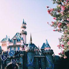 I know it's Disneyland shhh Walt Disney World, All Disney Parks, Disney Pixar, Disney Dream, Disney Love, Disney Magic, Mickey Mouse, Magic Kingdom, Epcot