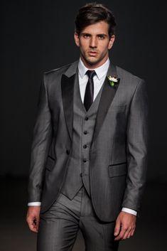 Grey Suits - Terno do noivo Groom Wear, Groom Attire, Groom Suits, Mode Masculine, Dress Suits, Men Dress, Grey Suit Men, Black Suits, Groomsmen Grey