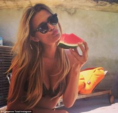 Cheyenne Tozzi posts Instagram pictures leave no doubt about modelling future | Mail Online