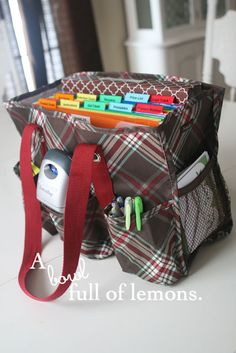 mobile office using a Thirty-one utility tote bag | A Bowl Full of Lemons