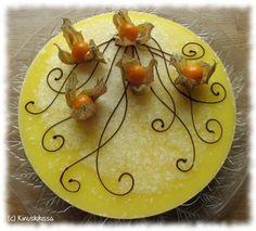 Kakku kuin kevätaurinko! #juustokakku   Höyhenenkevyt sitruunajuustokakku | Kinuskikissa – Suomen suosituin leivontayhteisö Lemon Cheesecake, Something Sweet, Cheesecakes, I Love Food, Yummy Cakes, Bon Appetit, Cake Recipes, Cake Decorating, Food And Drink