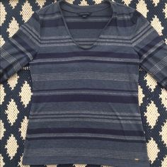 Tommy Hilfiger Long Sleeve Top Great for any time of the year Tommy Hilfiger Tops