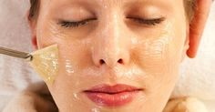 """Three Quick Facial Peelings that give miraculous results immediately after use Peeling facial is necessary """"commodity"""" in every woman's consumption basket. Generally basic functions to scrub the same: refresh the skin and . Good Massage, Chemical Peel, Facial Cleansing, Blackhead Remover, Face Care, Skin Care, Cellulite, Oily Skin, Miraculous"""