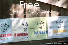 1st Day of School Photo Ideas. Free Printable Signs by A Blissful Nest