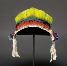 Brazil | Men's headdress/crown made from Macaw and Toucanfeathers, from the Urubu-Kaapor people, Rio Gurupi, Maranhao state | First half of the 20th century | 800€ ~ Sold