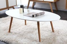 Vous allez craquer pour la table basse design GILDA inspirée du style scandinave ! Sa ligne douce et harmonieuse vous permettra de créer une atmosphère chaleureuse et épurée.