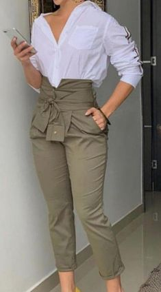 Stunning Work Outfits Style Ideas For Spring « letterformat. Fashion Pants, Look Fashion, Hijab Fashion, Fashion Dresses, Spring Fashion, Winter Fashion, Fashion Women, Classy Outfits, Chic Outfits
