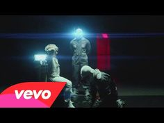 Kasabian - stevie - YouTube