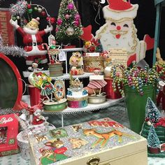 Isnt it just eye candy click and follow this fun vintage instagram #vintagechristmas