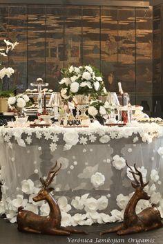 Lançamento da toalha de casamento com flores em origami inspirado em Chanel feita para a CASAR 2011 no Terraço Daslu.