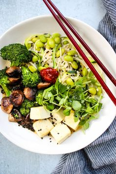 This Quick, Healthy Homemade Miso Ramen Noodle Soup is THE most comforting and nutritious dish! It's an easy 30-minute meal that's packed with tons of vegetables and protein. Vegetarian, vegan, and gluten-free options available! #soup #ramen #healthyrecipe #easyrecipe Healthy Ramen Noodles, Ramen Noodle Soup, Healthy Egg Recipes, Tofu Recipes, Miso Ramen Soup Recipe, Vegan Soup, Vegetarian, Gluten Free Ramen, Winter Dishes