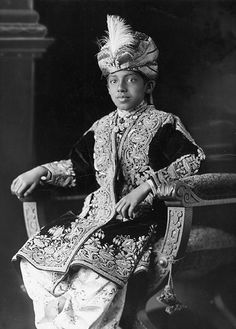 Sadeq Mohammad Khan - The Nawab of Bahawalpur, aged 11, in 1915. In 1917, the Nawab donated £5,000 to the Punjab Aeroplane Fund, raised in the province for the purpose of providing aeroplanes for the British Army.