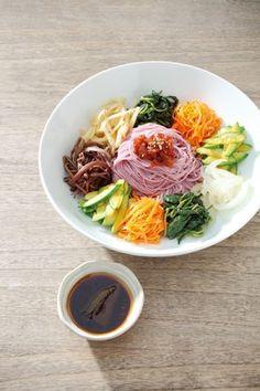 한 그릇 국수 요리 이미지 4