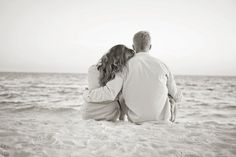 beach engagement photos.  perfection.