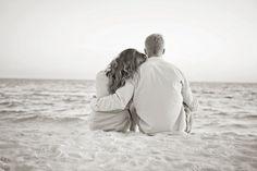 beach engagement photos.  perfection.