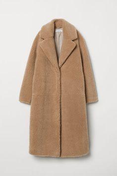 Best Affordable Winter Coats 2018 - Winter Coat Trends to Shop on A Budget Best Winter Coats, Winter Coats Women, Coats For Women, Cool Street Fashion, Look Fashion, Street Style, Fashion Fall, Coats 2018, Estilo Dark