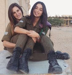 50 Beautiful Army Women With Without Uniform Looking Stunning Idf Women, Military Women, Brave Women, Military Girl, Female Soldier, Girls Uniforms, Girls Rules, Special Forces, Beautiful Women