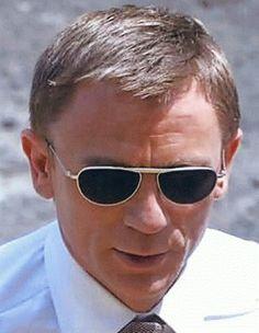 Las gafas favoritas de Daniel Craig? las de todas sus últimas películas interpretando a 007. Si, aquí las tenemos!