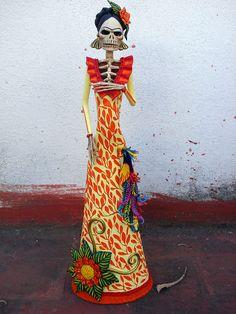 Catrina Frida Kahlo en amarillo. | by el_catrinero