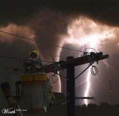 Funny health and safety pictures. Ladders can be dangerous. Electrical safety pictures - Lightning nearly strikes man. Lineman Love, Power Lineman, Electrical Lineman, Safety Pictures, Thing 1, Natural Disasters, Great Photos, Interesting Photos, Mother Nature