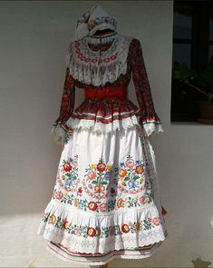 Folk Costume, Costumes, Military, Floral, Skirts, How To Wear, Clothes, Dresses, Fashion