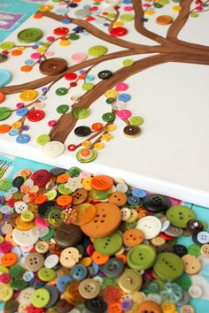 ▷ 1001 + inspirierende Ideen für Herbstbasteln mit Kindern Crafts with buttons, painting a tree on canvas, sticking colorful buttons for autumn leaves Button Crafts For Kids, Winter Crafts For Kids, Autumn Crafts, Winter Kids, Diy For Kids, Diy And Crafts, Arts And Crafts, Paper Crafts, Recycled Crafts