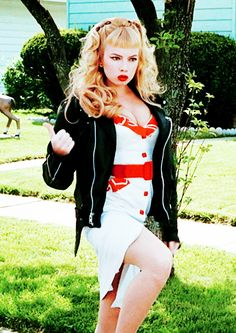 Traci Lords? Girl Crush!!! How many other gals can pull off crass with such panache??